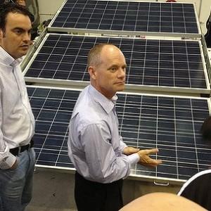 Energy Minister Mark McArdle announces changes to Solar Bonus Scheme despite election promise to maintain it