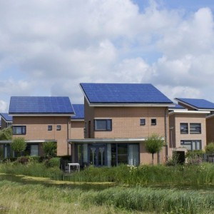 More and More Homes Now Have Solar Panels on Rooftops