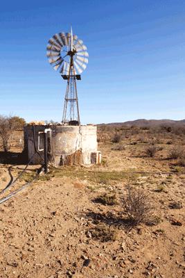 dam bore pump solar power water