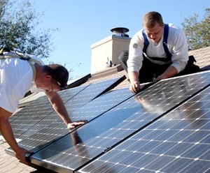 Solar Experts Discuss Microgrids, and Battery Storage