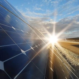 Solar energy industry continues to develop advanced technology