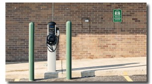 Dubai to invest in electric car charging stations