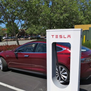 Tesla plans 16 supercharger stations between Melbourne and Brisbane