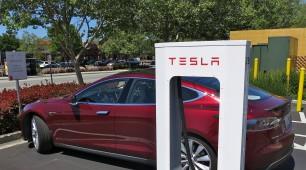 Tesla plans 16 supercharger stations between Melbourne and Brisbane