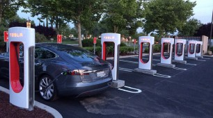 Photovoltaic solar panels to power Tesla's Supercharger stations
