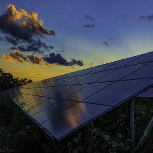 Is solar inverter manufacturer Enphase caught up in an energy war?