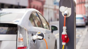 Battery costs decline as sales of electric vehicles continue to rise