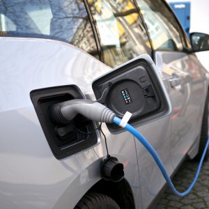 Is Kansas the Best City to Own a Plug-in Electric Car?