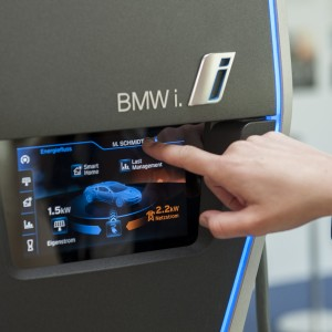 BMW Unveils First Standalone Electric-Car Sales Dealership in California