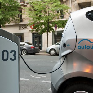 London to Adopt 'Autolib' Electric Car Sharing Scheme
