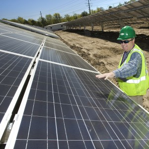 Last PV Modules Installed At Broken Hill Solar Plant