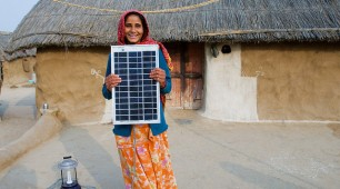 Coal imports slashed in India's solar rise