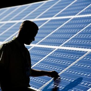 Smarter, Low-cost Solar Plants Halves Australian Capital Intensity